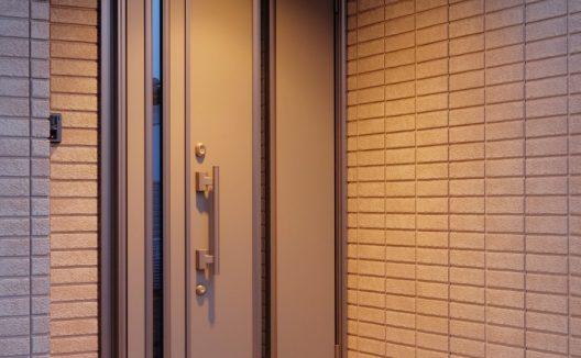 玄関のドアの種類と選び方